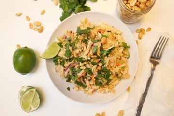 Thai Peanut Chicken Salad | blooms & brie